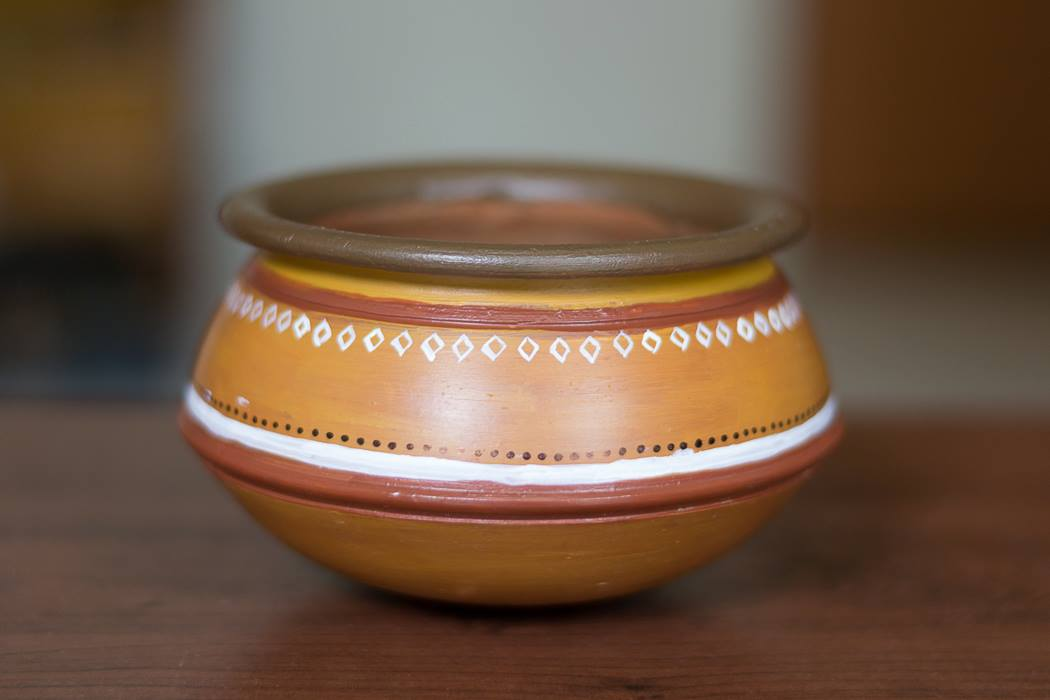 Earthen container